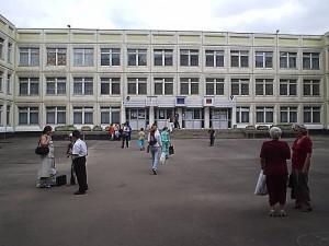 В школе №1173 открылась секция по игре в бильярд