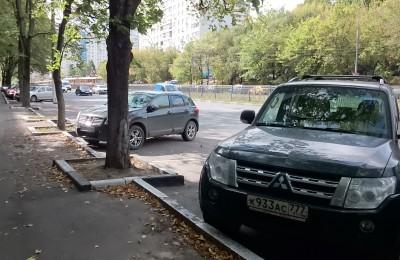 Парковочные карманы на Чертановской улице
