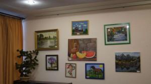Первая выставка творческих работ людей с ограниченными возможностями здоровья «Звуки приводы» проходит в центре социального обслуживания (ЦСО) «Чертаново».