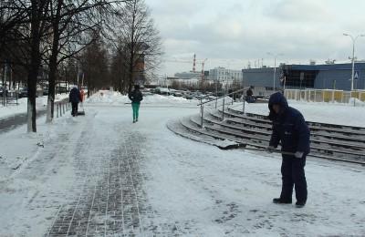 После прошедшего снегопада из района Чертаново Центральное вывезено более 60 кубометров снега