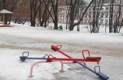 Одна из детских площадок в районе Чертаново Центральное