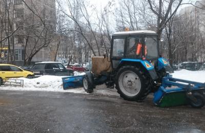 Коммунальные службы района Чертаново Центральное работают в усиленном режиме из-за погодных условий