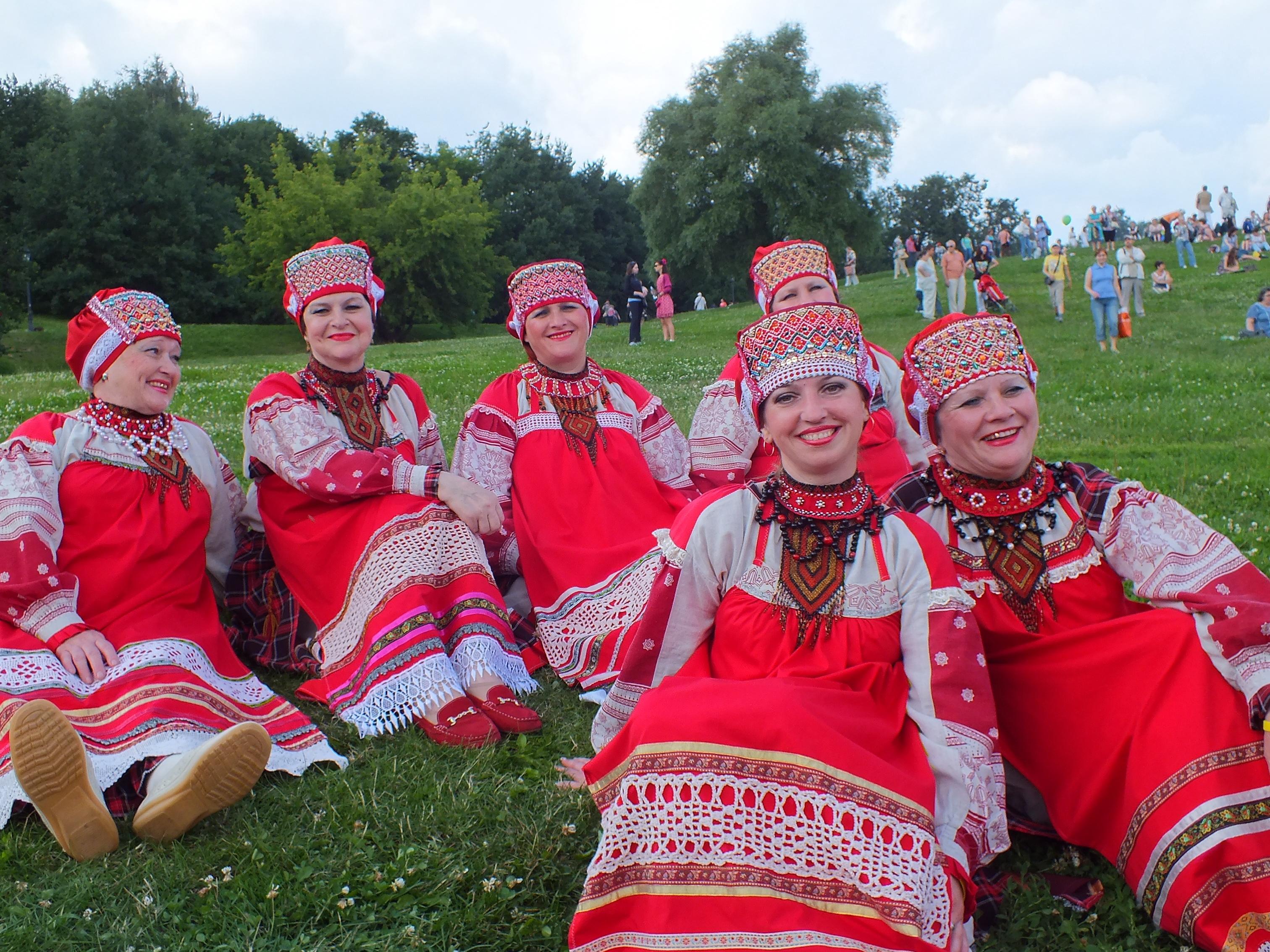 Около 200 тыс. человек посетили фестиваль «Русское поле» вмузее-заповеднике «Царицыно»