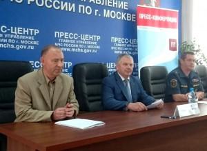 Руководитель Департамента по делам гражданской обороны, чрезвычайным ситуациям и пожарной безопасности столицы Юрий Акимов