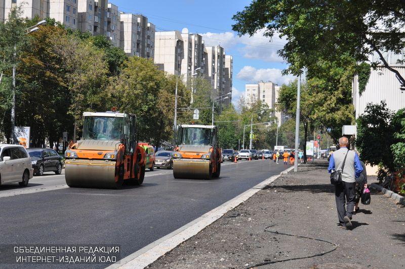 Асфальтовое покрытие отремонтировали на улицах района