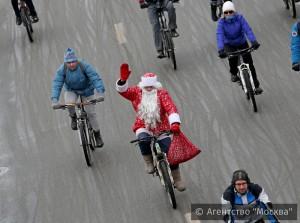 Участники прошлого велопарада в Москве