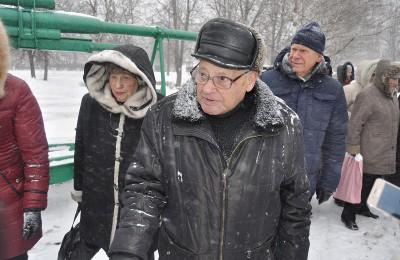 ветераны Великой Отечественной войны Леонид Моисеевич Некрасовский на торжественном митинге