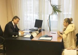 Депутат Государственной Думы Анатолий Выборный (слева) на встрече с жителями