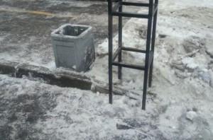 В одном из дворов убрали мусор