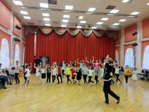 Мастер-класс по танцам провели в школе №880
