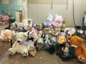 Школьники района побывали на заводе мягкой игрушки