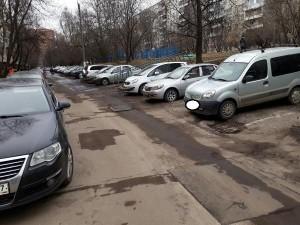 Обновленный асфальт на Днепропетровской улице