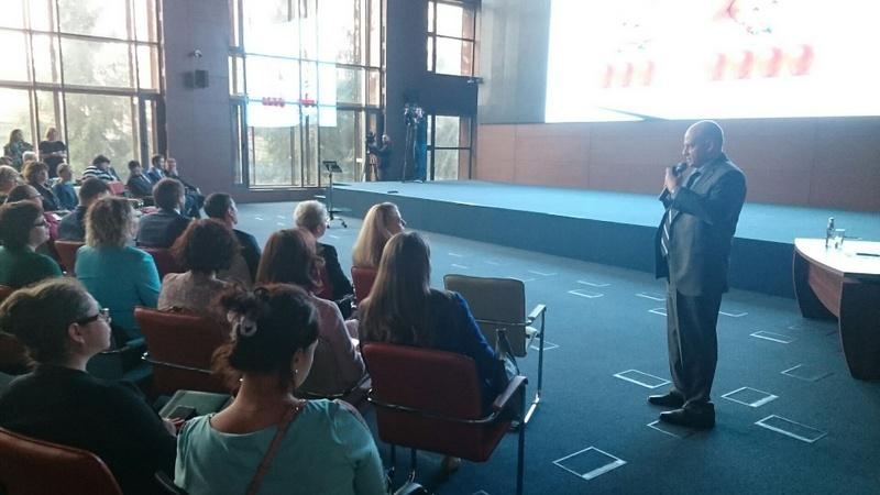 В российской столице активно реализуют проект «Эффективный управляющий системы образования»