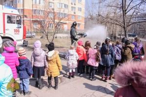 Школьникам района показали работу местной пожарной части