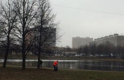 В районе проходят работы по очистке водоемов
