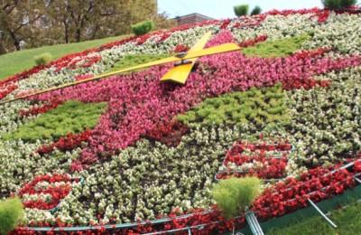 """На Поклонной горе 1 мая """"заведут"""" уникальные цветочные часы"""