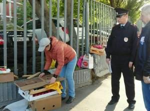 Активисты пресекли незаконную торговлю возле метро
