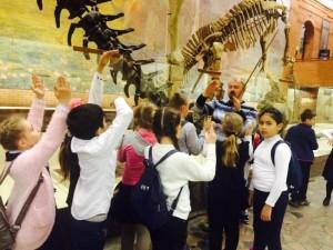 Экскурсию по Палеонтологическому институту провели для ребят из школы №880