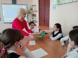 Школьники на занятии