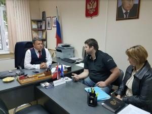 Депутат Анатолий Выборный  принимает граждан