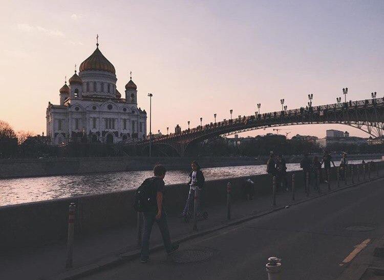 Длина очереди кмощам Николая Чудотворца врежиме онлайн