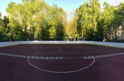 Представители молодежной палаты района усовершенствовали спортивную площадку на Чертановской улице