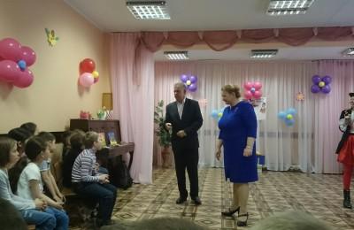 Александр Кузьмин и Анна Гурова с детьми