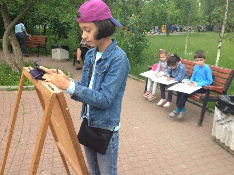 Юные жители района приняли участие в мастер-классе по рисованию