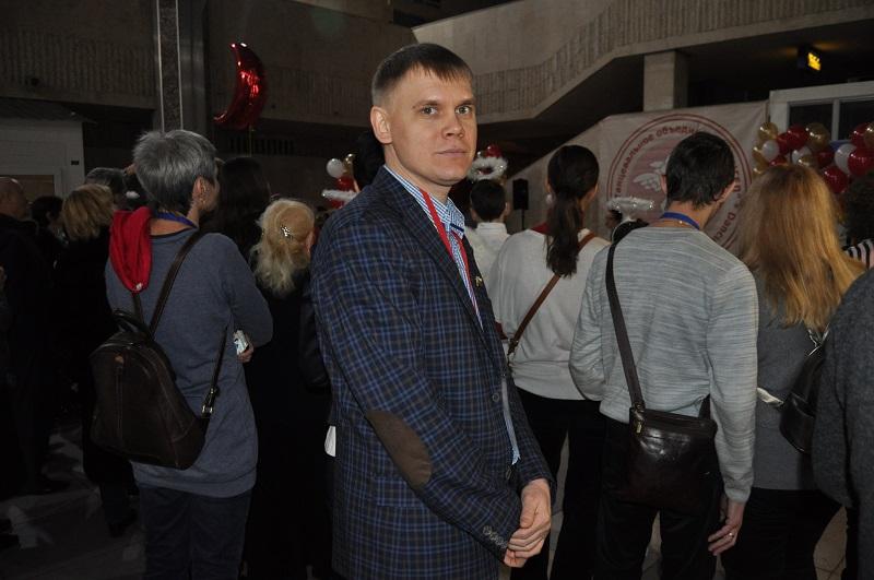 Денис Тырсин посетил юбилейный концерт студии «Энжел»