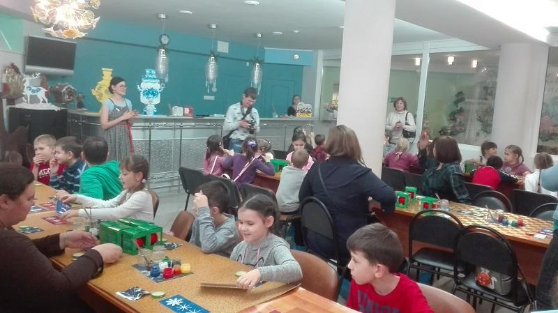 Экскурсия на фабрику елочных игрушек прошла для второклассников школы №880